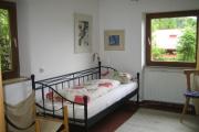 Schlaffzimmer oben mit zwei Einzelbetten