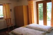 Schlaffzimmer unten mit Doppelbett