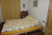 Schlaffzimmer oben mit Doppelbett
