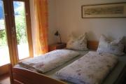 Schlaffzimmer untern mit Doppelbett